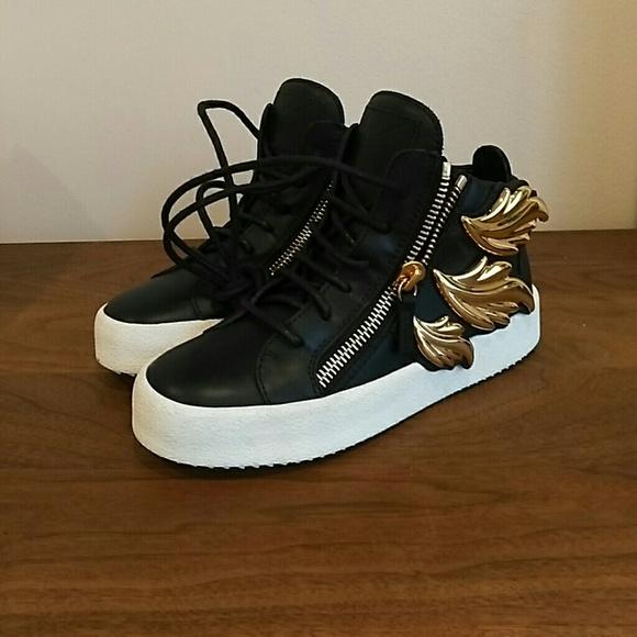ccf5ff286e4 Giuseppe Zanotti Women s Fashion Sneaker Size 35